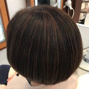 白髪染めで暗くなったヘアカラーを修正